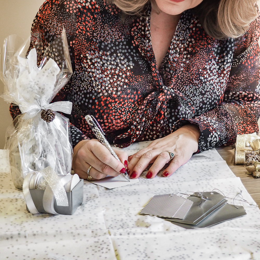 Gift ideas, how to wrap, presents for women