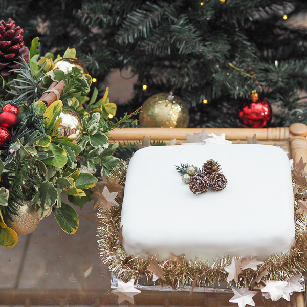 How to make a last minute Christmas Cake