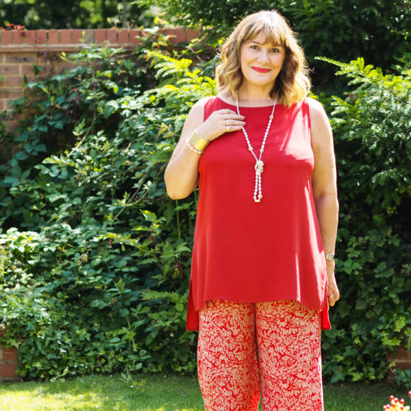 How to wear wide leg trousers, red print trousers with long red tunic top