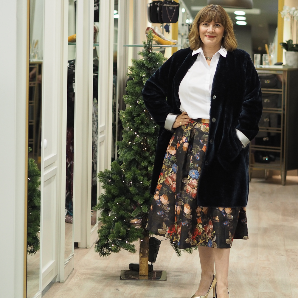 How to wear a full skirt, party wear ideas