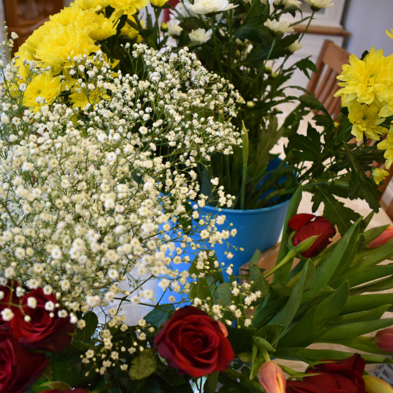 How to brighten your home with flowers