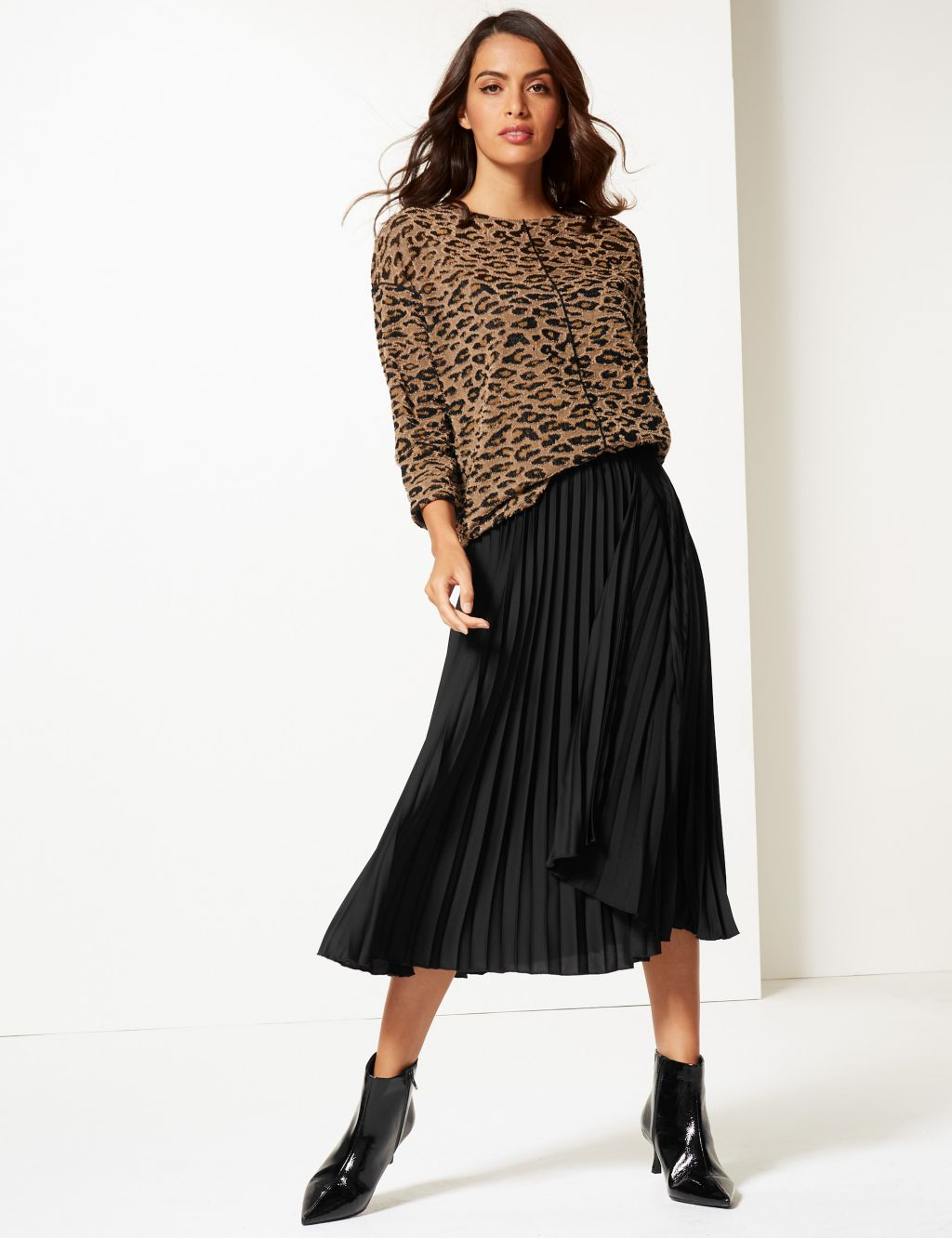 pleated skirts to suit your shape, M&S animal print top black pleated skirt