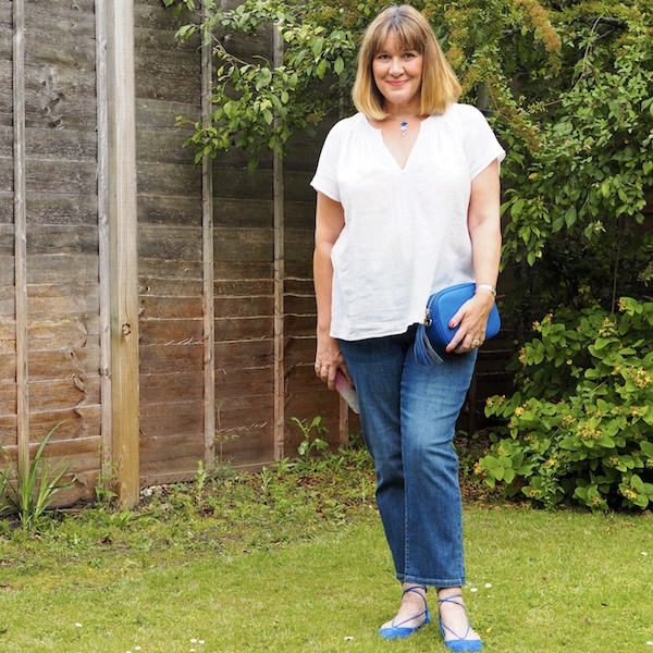 best jeans for women over 40, blue crop jeans, boho top